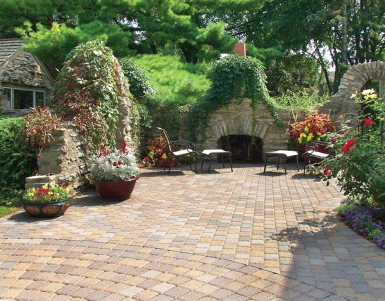 borgert cobble patio and fireplace