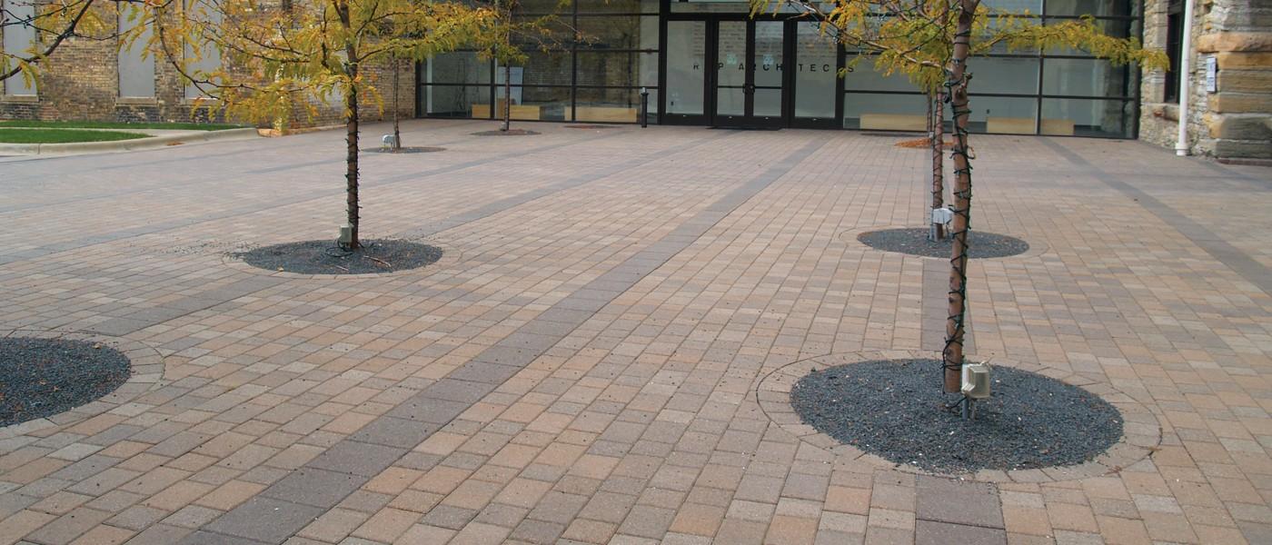 Borgert Plaza Paver